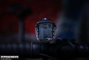 Die Linse kann die Leistung der LED nicht auf die Straße bringen