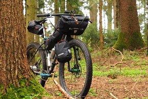 Auch am Mountainbike ohne Federgabel macht sich das Ortlieb Handlebar Pack QR gut.