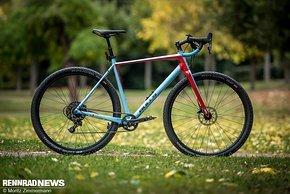 Das Bulls Trail Grinder ist mit 29er Reifen nicht nur optisch nah am Mountainbike...
