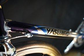 Yasujiro baut feine Stahlrahmen aus Tange Stahl – man gehört zum gleichen Unternehmen wie die Rohrsatzproduktion