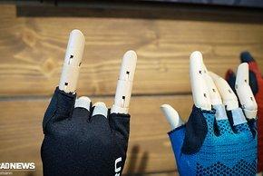Giro Xnetic Kurzfinger Handschuh – der Strick außen soll die Flexibilität erhöhen