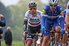 Sagan und Gilbert bekämpften sich in Spitzengruppe - einmal  auch mit Ellbogen