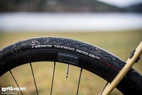 Auf trockenen, harten Pisten funktionieren die Vittoria-Reifen sehr gut.