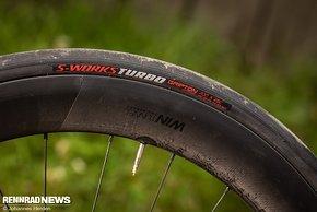 Die Specialized S-Works Turbo Reifen spenden schon für sich einigen Komfort