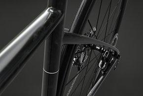 Mit 38 mm Reifenfreiheit (Slick) will das F/AR die meisten Wege bezwingen können