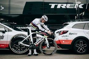 Mads Pedersen mit dem Weltmeister-Madone. Pedersen beginnt die Rennsaison bei der Tour Down Under am 20. Januar 2020