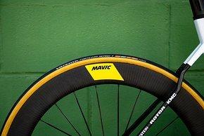 Mavic Laufräder und Vredestein-Reifen werden eingesetzt