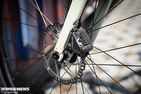 Die Kombination von Shimano GRX-Bremssattel mit Giant-Rotoren konnte überzeugen.
