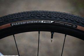 Der Specialized Pathfinder Pro-Reifen ist ...