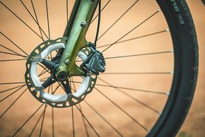 Die Shimano Scheibenbremse GRX 400 mit 180 mm Rotoren