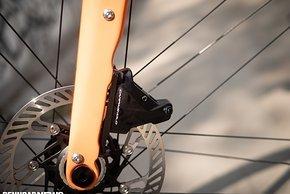 Die Bremsscheibe ließ sich auch durch wiederholte harte Bremsungen beim Test im Flachen nicht aus der Form bringen