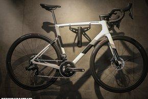 Cannondale Supersix Evo Carbon Disc Force eTap AXS 2x12 für 5.499 €