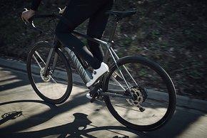 Die Charakteristik des Antriebs ist auf das Rennradfahren angepasst: In der 2.0-Version werden Triuttfrequenzen bis 125 U/min effizient unterstützt