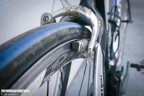 Den Rundlauf des Rades könnt ihr an der Bremse kontrollieren