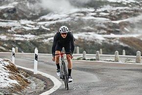 Mit 6,57 kg in der leichtesten Variante ist die Teammachine SLR 2021 auch mit Disc ein Rad für Kletterer