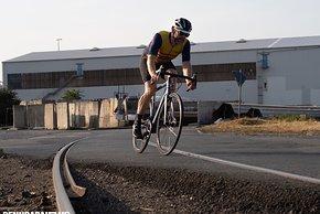 Wie auf Schienen? Ja, die Lenkpräzision zeigte sich auch in Abfahrten jedem Tempo und jeder Kurve gewachsen.