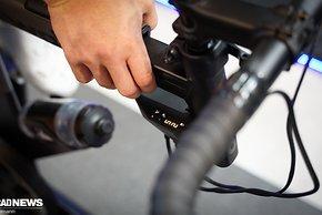 ...und die Schaltungssimulation mit Ganganzeige im Blickfeld des Fahrers