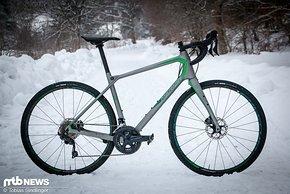 Rennen gewinnt man mit dem Silex 7000 wohl keine – doch dafür wird beim Gravelbike von Merida der Komfort auf dem Rad garantiert