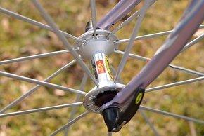 Die Mavic Ksyrium Systemlaufräder sind zwar nicht der Epoche gerecht,...