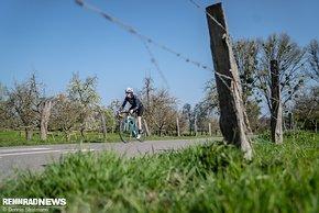 Schmerzen im Sattel sind für viele Frauen der Grund, das Rennradfahren aufzugeben, weiß Endura aus der Zusammenarbeit mit Händlern und Ergonomie-Experten