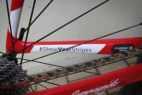 #ShowYourStripes ist der Hashtag für die alte Trek-SegafredoTeamkleidung