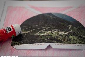 Für den Aufsteller – das Geschenkmotiv – haben wir einen Pass gewählt, der für eine gemeinsame Alpentour steht