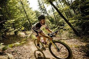 Kurzweilige Vorträge von Torsten Frank und Jon Woodroof – hier auf dem Rad – zu extrem langen Radfahrten