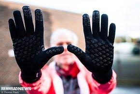 Auch die Innenhand ist bei diesen Handschuhen nicht zu dick aufgepolstert