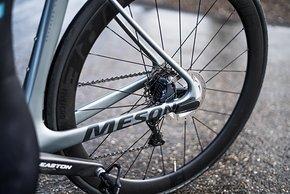 Die Fore Five Laufräder CRD Laufräder sind mit Classified Naben aufgebaut.
