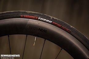 Die S-Works Turbo-Reifen in 26 mm gefielen uns sehr gut