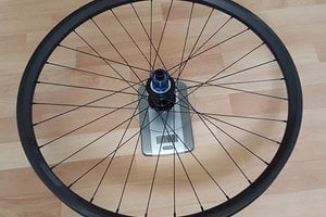 Tune Kong / Light Bicycle 30mm Maulweite Carbon felge