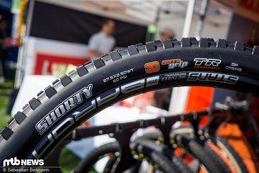 Die Reifen mit Downhill-Karkasse sind jetzt auch in einer tubeless-ready Variante erhältlich – sowohl beim Shorty ...
