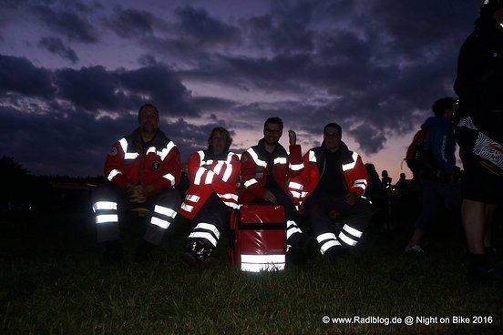 Erste Maßnahmen des örtlichen Roten Kreuz sind erst morgen während des 16h Rennens nötig.