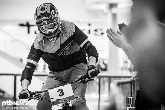Obwohl er 2013 sein Rückzug aus dem aktiven Rennsport bekannt gab sieht man Joost Wichman noch ab und zu an der Startlinie