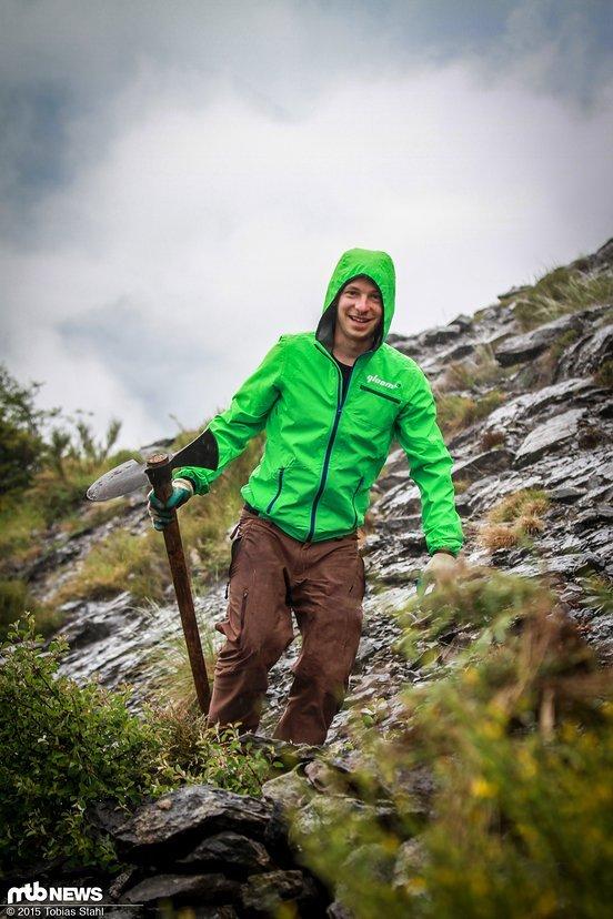 Gleichzeitig schützt die Jacke zuverlässig vor Regen und hält auch Dauerregen gut Stand