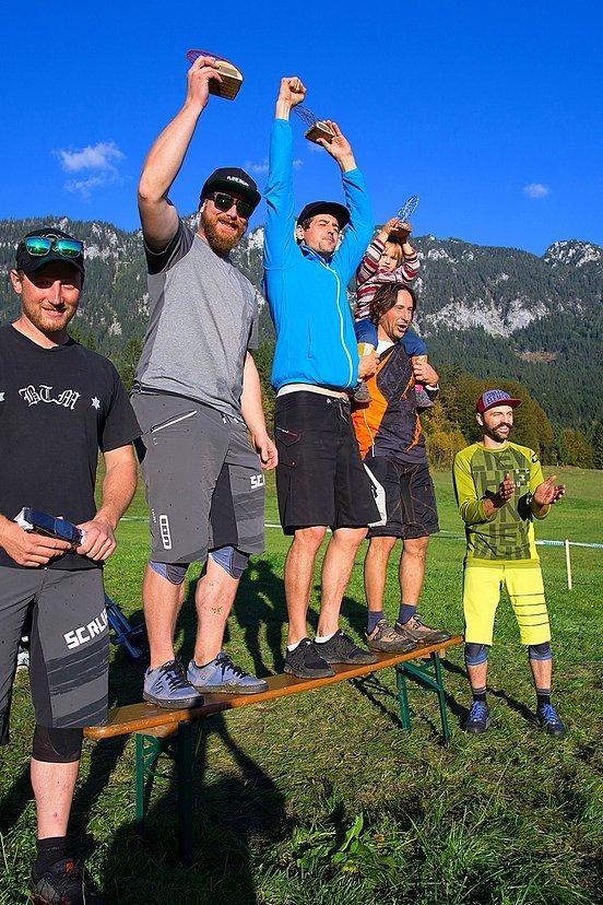 Siegerehrung Mountainkarts mit Marco Kruis auf Platz 1