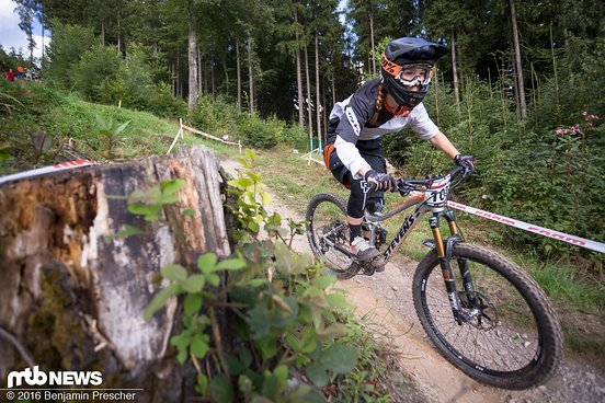 Veronika Brüchle auf dem Weg ins Tal