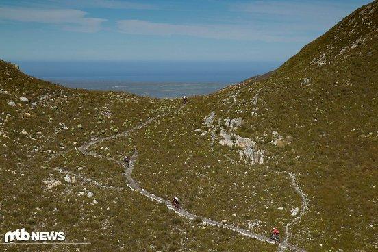 Steil bergauf ging es zum höchsten Punkt der Strecke...