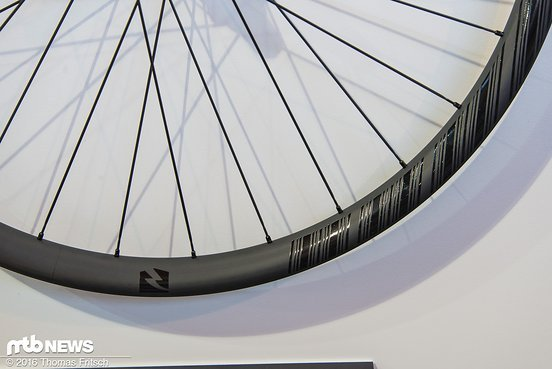 Die Decals an den Laufrädern fallen für das neue Jahr sehr dezent aus.