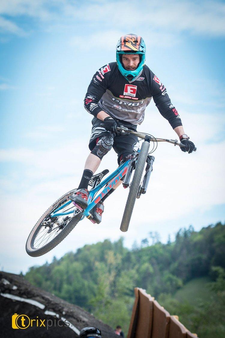 Simon Waldburger (G-Form Swiss Team / VC Leibstadt) kann sichtlich entspannt die kommenden Rennen der 4Cross Saison in Angriff nehmen