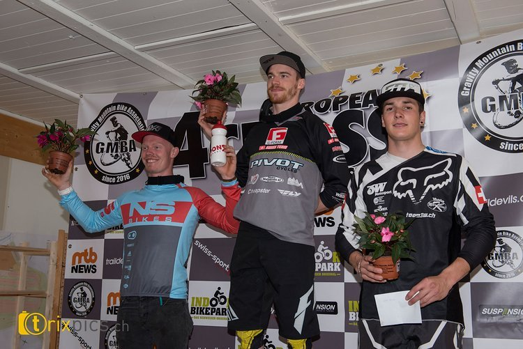 Das Elitepodium war von den Schweizern dominiert. Es siegte Simon Waldburger vor seinem Vereinskollegen Noel Niederberger (NS Bikes Factory Racing) und dem Heimfavorit Yannick Uhr (BMX Team 3W)