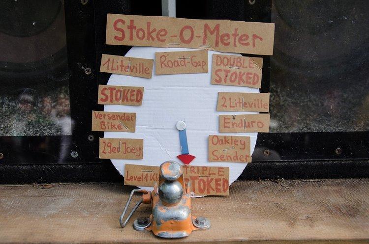"""Das Stoke-O-Meter stand am frühen Morgen noch auf """"29er Joey"""", erreichte dann aber schnell den Status """"Triple-Stoked""""!"""