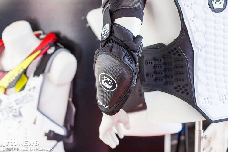 Abnehmbare Ellenbogen- und Schulterprotektoren