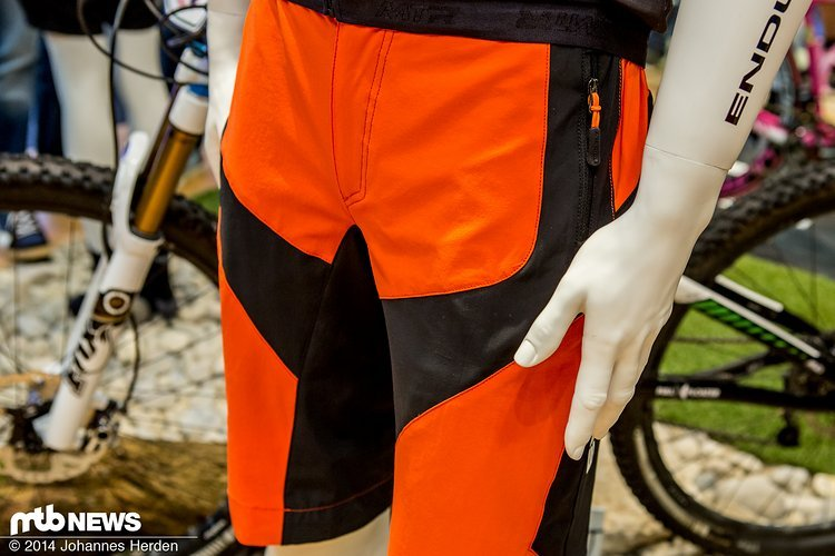 für Cross Country Racer mit Mut zur Farbe - die Endura MTR Baggy Shorts